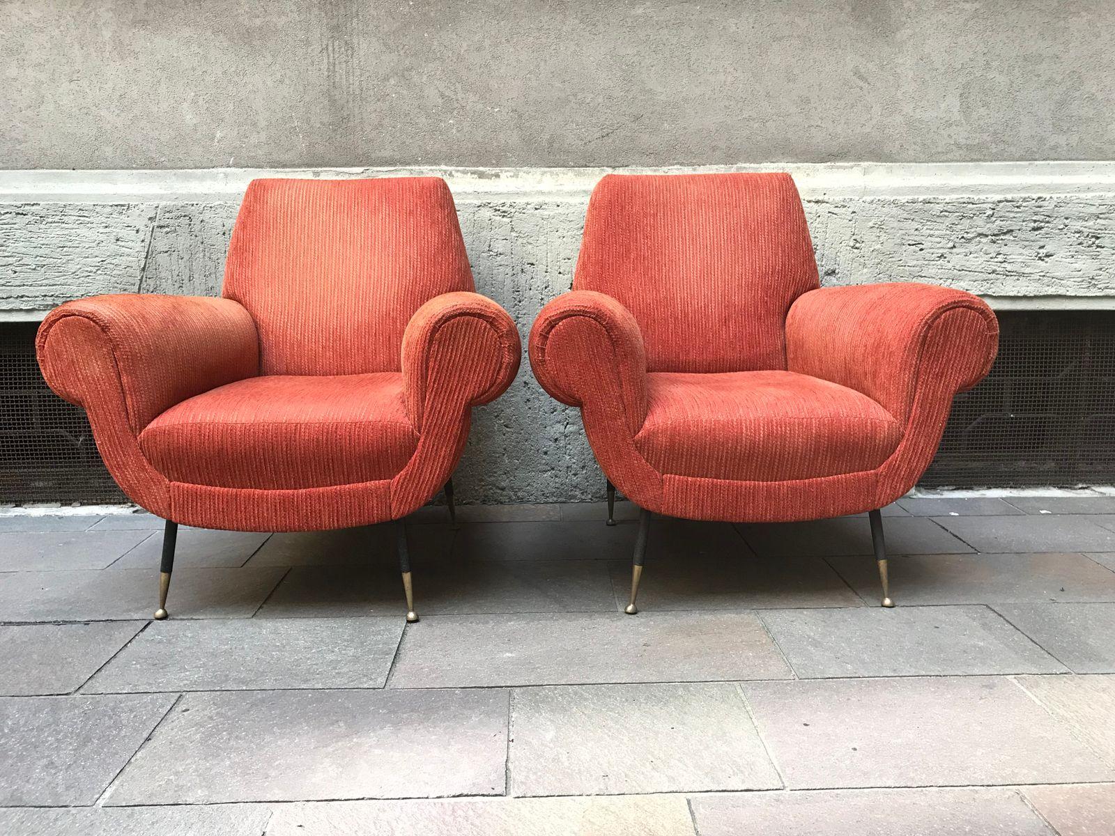 Vintage orangefarbene Kord Armlehnstühle, 2er Set