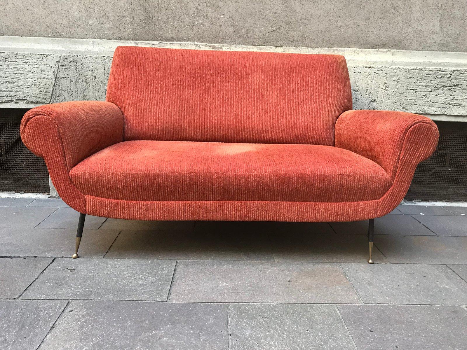 canap vintage en velours c tel orange en vente sur pamono. Black Bedroom Furniture Sets. Home Design Ideas