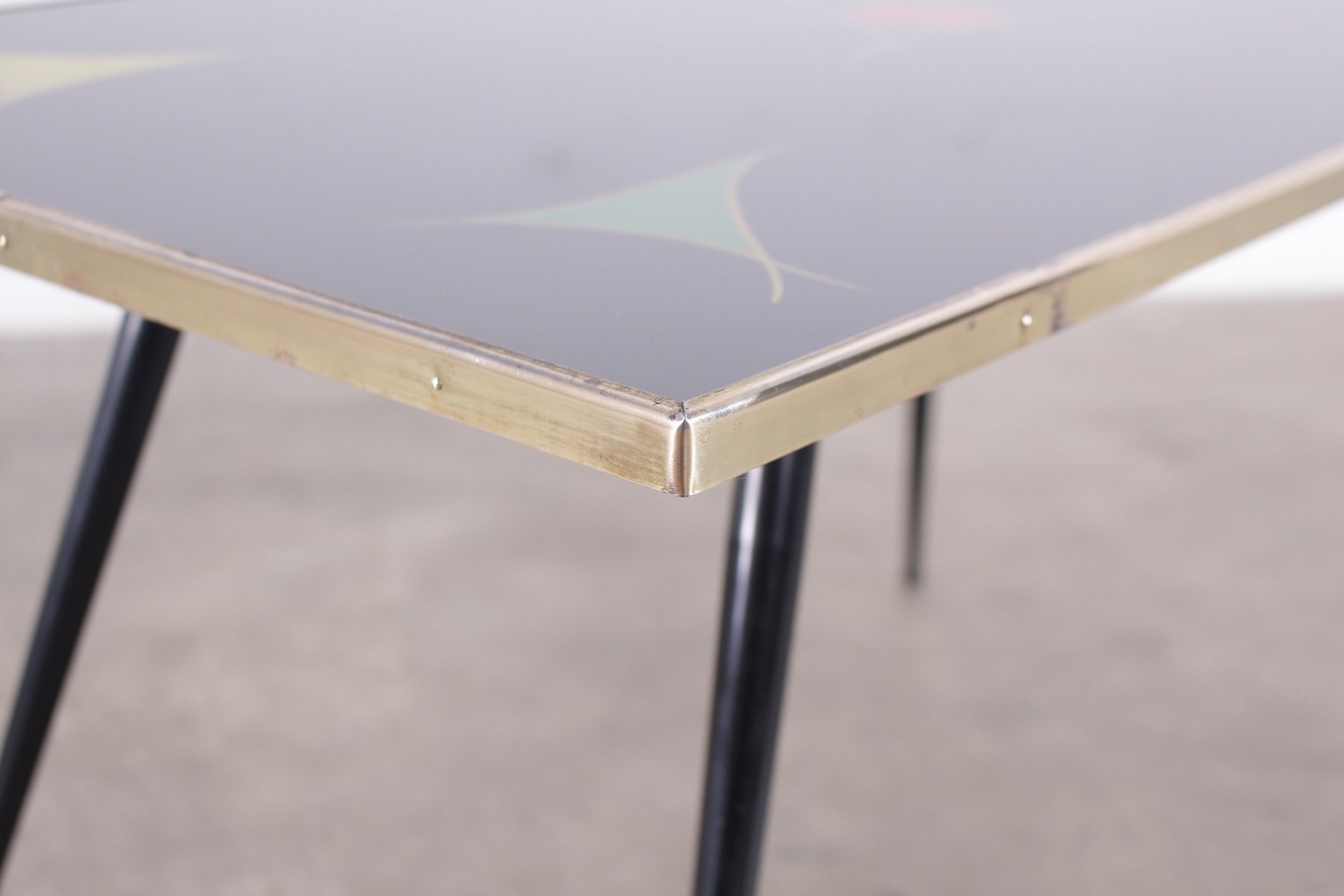 Table basse vintage en verre noir en vente sur pamono - Table basse verre noir ...