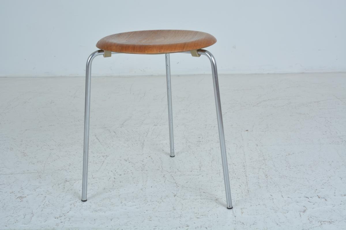 vintage hocker von arne jacobsen f r fritz hansen 1967 bei pamono kaufen. Black Bedroom Furniture Sets. Home Design Ideas