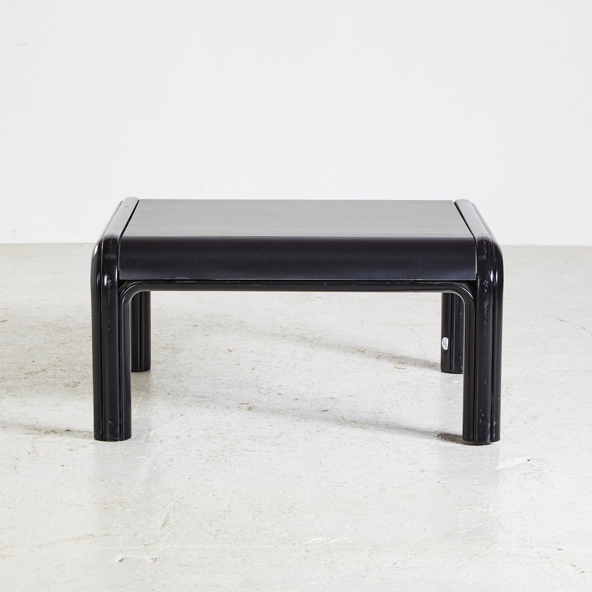 italian coffee table by gae aulenti for knoll 1976 for sale at pamono. Black Bedroom Furniture Sets. Home Design Ideas