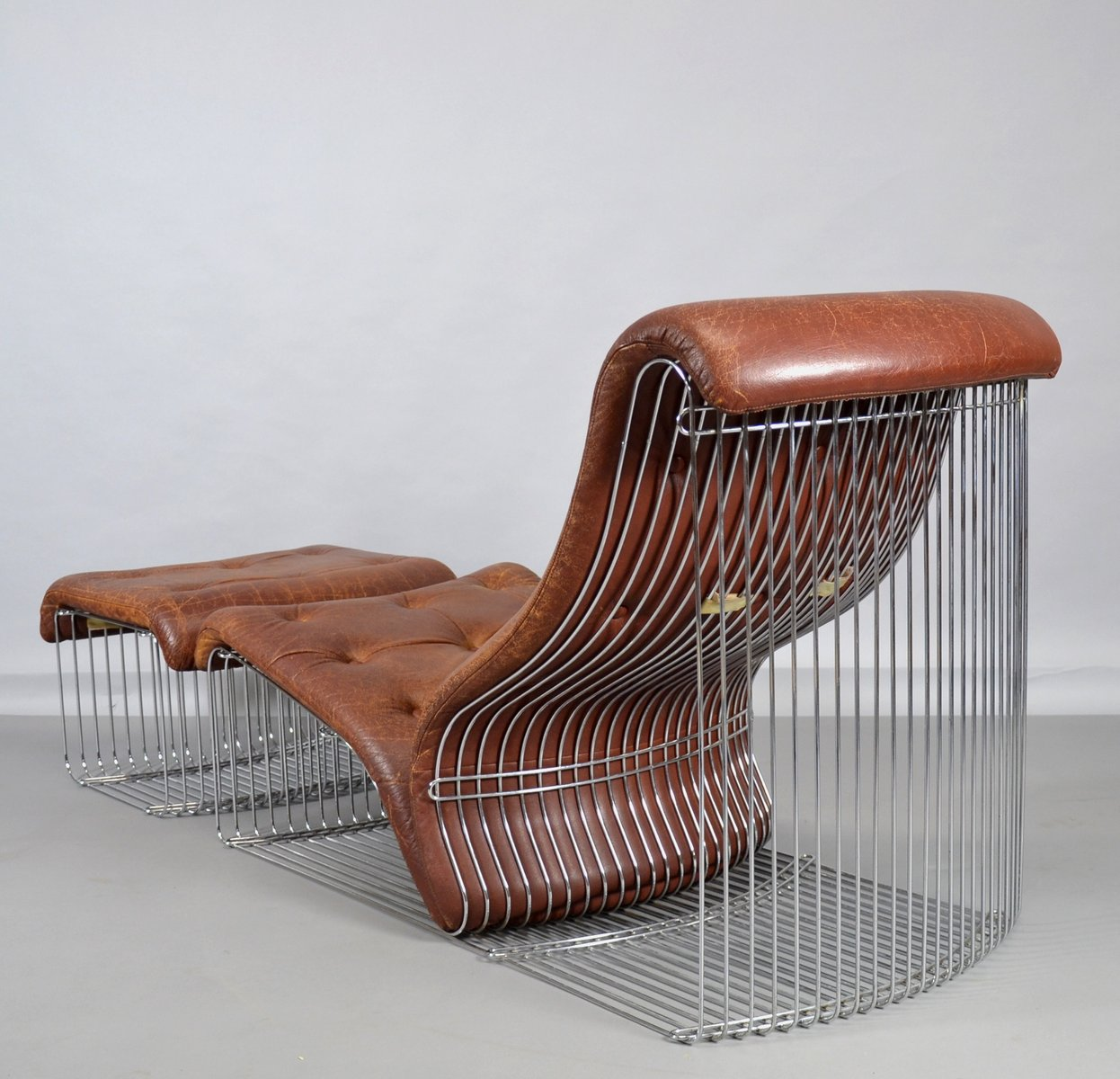 vintage pantonova sessel mit ottomane von verner panton f r fritz hansen bei pamono kaufen. Black Bedroom Furniture Sets. Home Design Ideas