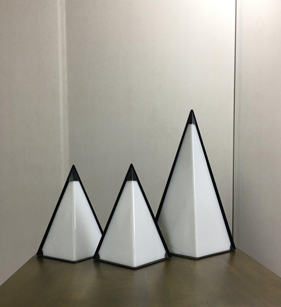 Mid-Century Perspex Pyramiden Lampen, 3er Set