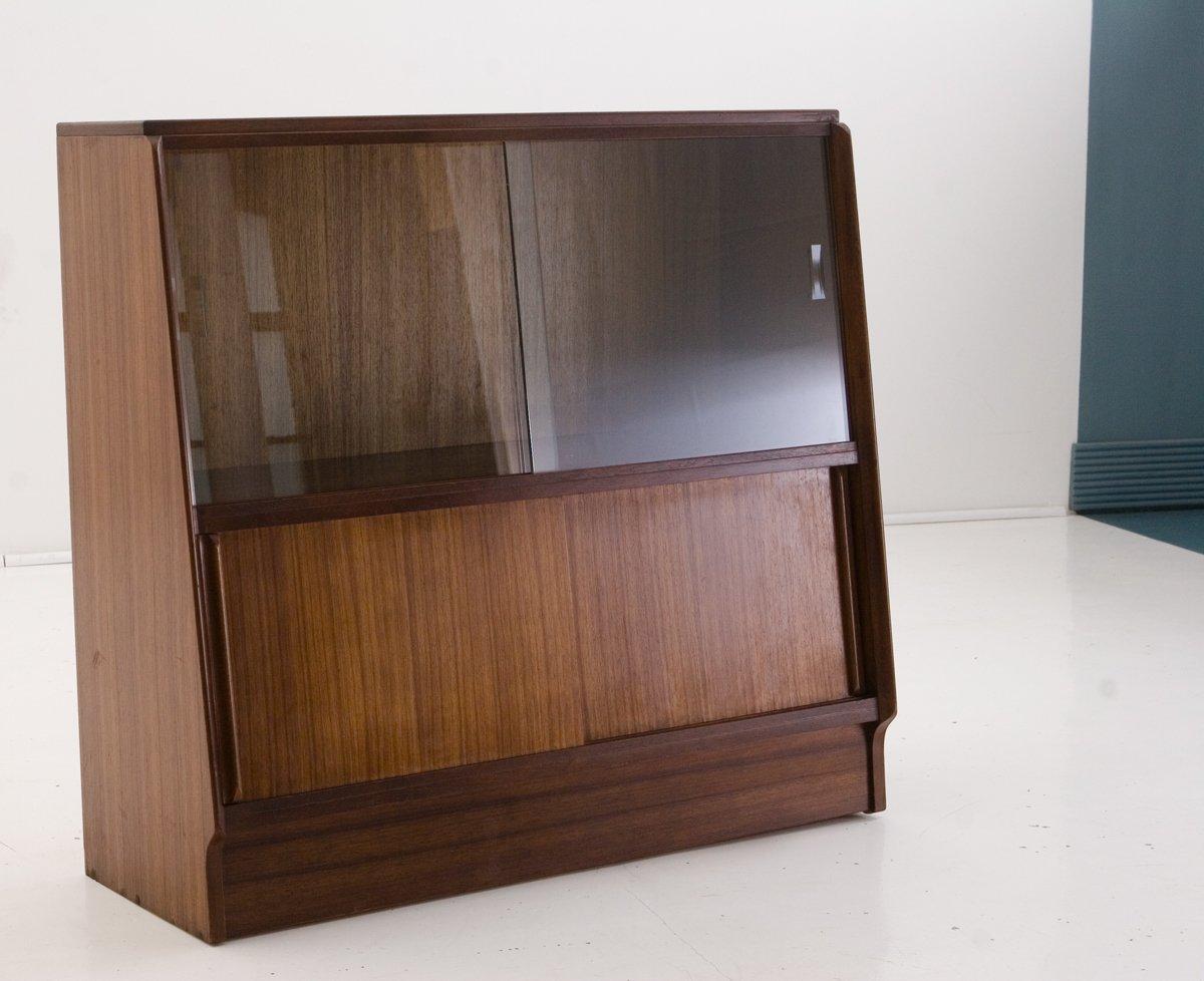b cherregal mit glas vitrine von g plan 1963 bei pamono kaufen. Black Bedroom Furniture Sets. Home Design Ideas