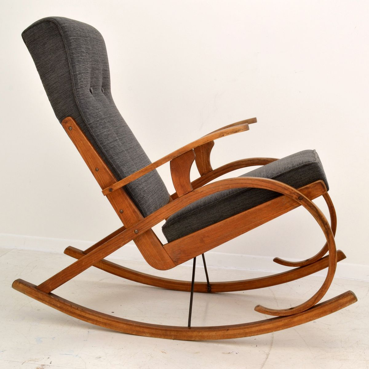 czech modernist rocking chair in bentwood 1930s for sale at pamono. Black Bedroom Furniture Sets. Home Design Ideas