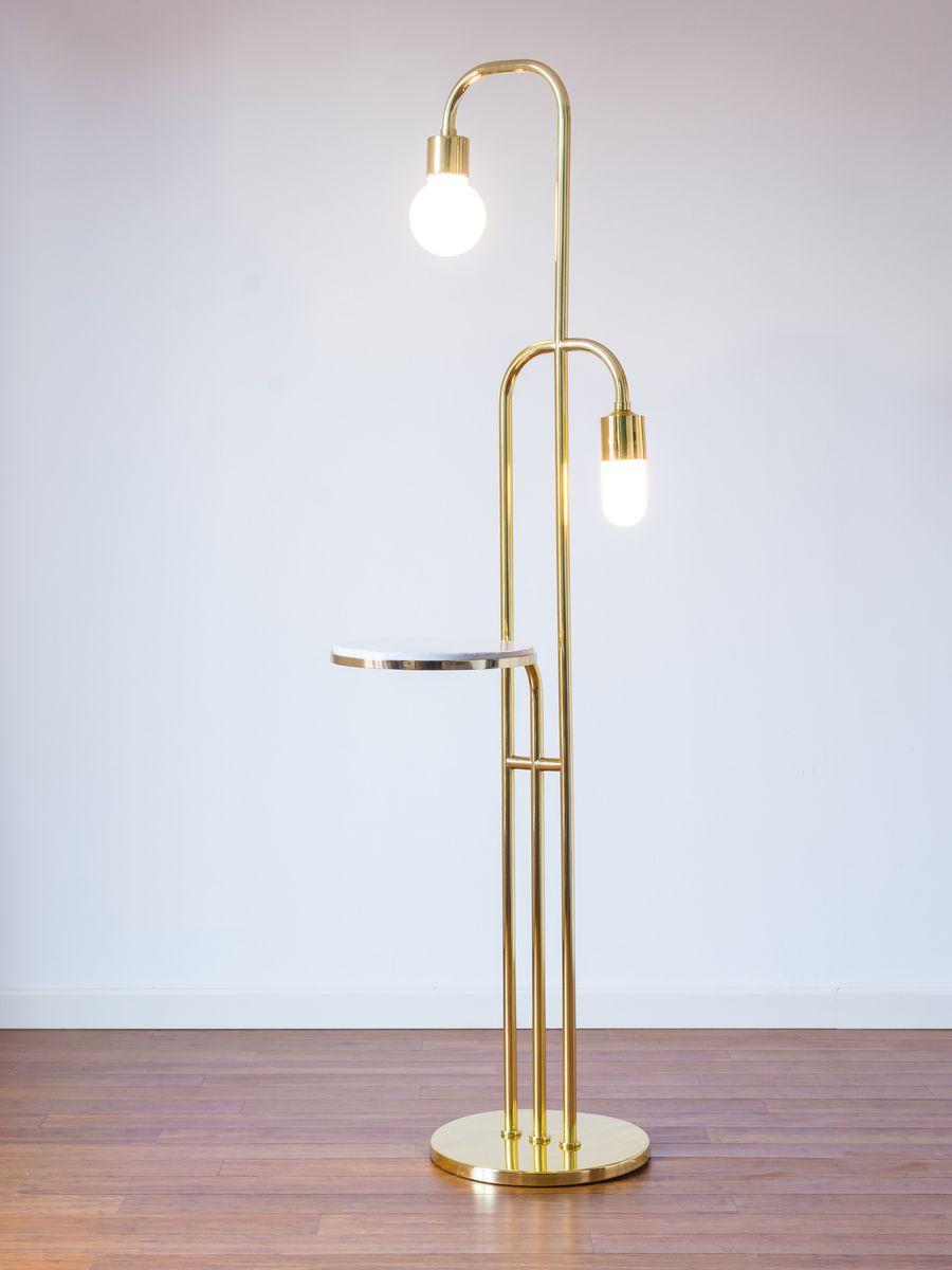 Margin Lampe & Couchtisch von NOI