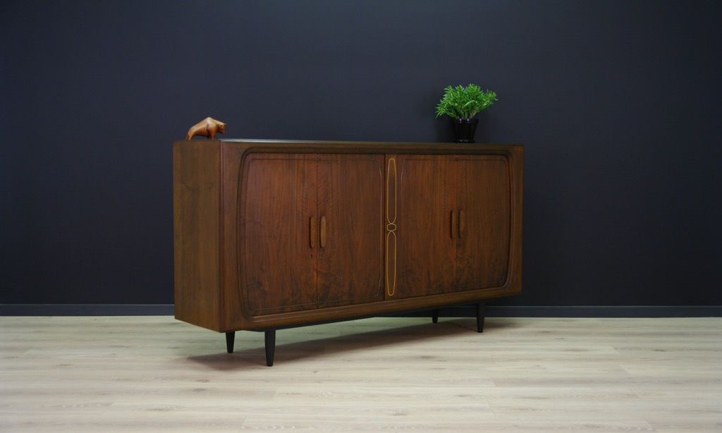 d nisches vintage sideboard mit nussholz furnier bei pamono kaufen. Black Bedroom Furniture Sets. Home Design Ideas