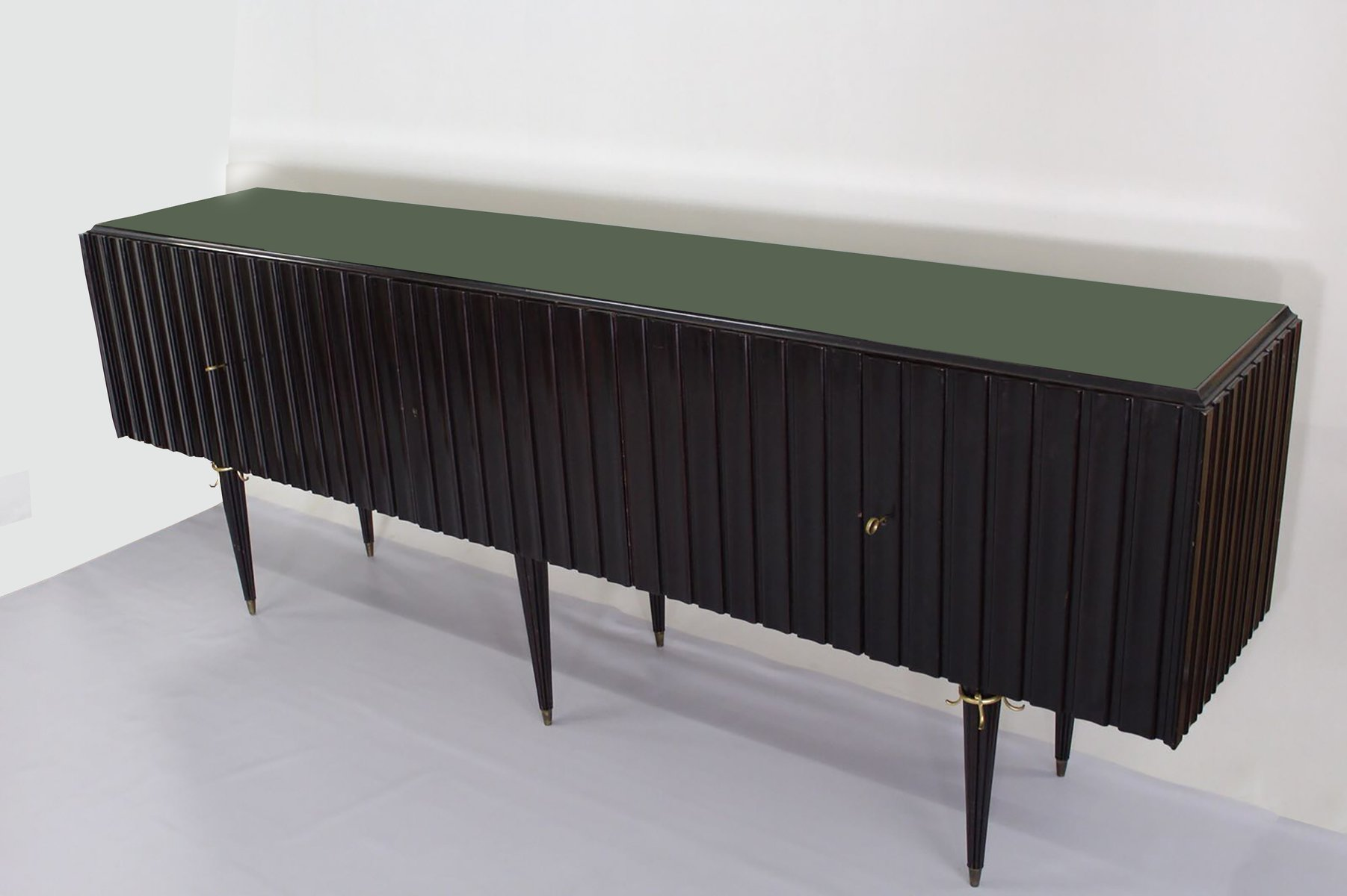 mid century sideboard aus messing glas holz 1940er bei pamono kaufen. Black Bedroom Furniture Sets. Home Design Ideas