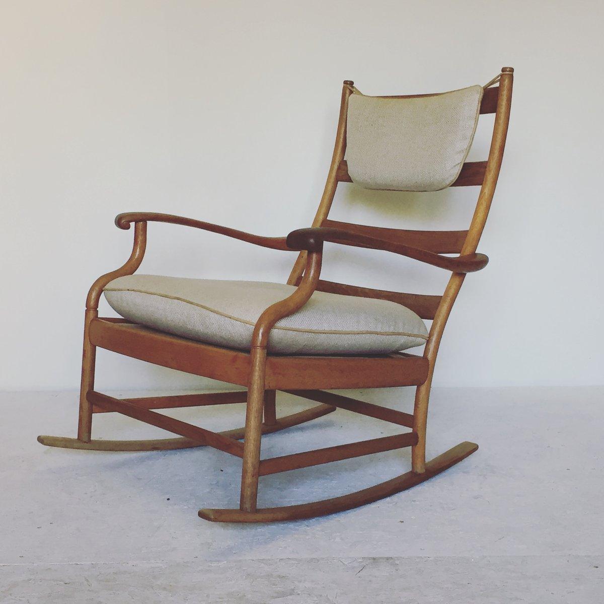 Skandinavischer schaukelstuhl aus eichenholz 1950er bei for Skandinavischer schaukelstuhl