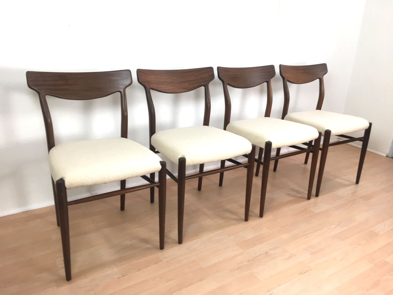 mid century st hle von l bke 4er set bei pamono kaufen. Black Bedroom Furniture Sets. Home Design Ideas