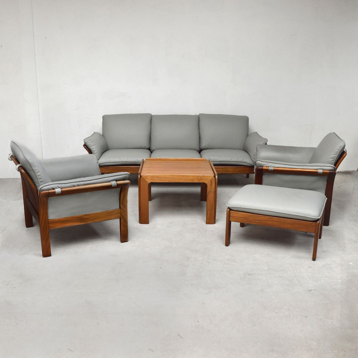 Rosewood & Leather Living Room Set, 1970s for sale at Pamono