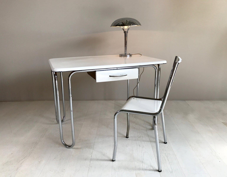 schreibtisch und stuhl aus vernickeltem emailliertem metallrohr 1930er bei pamono kaufen. Black Bedroom Furniture Sets. Home Design Ideas