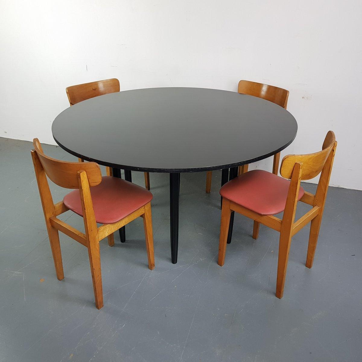 Runder schwarzer Vintage Tisch mit 4 Stühlen, 1960er