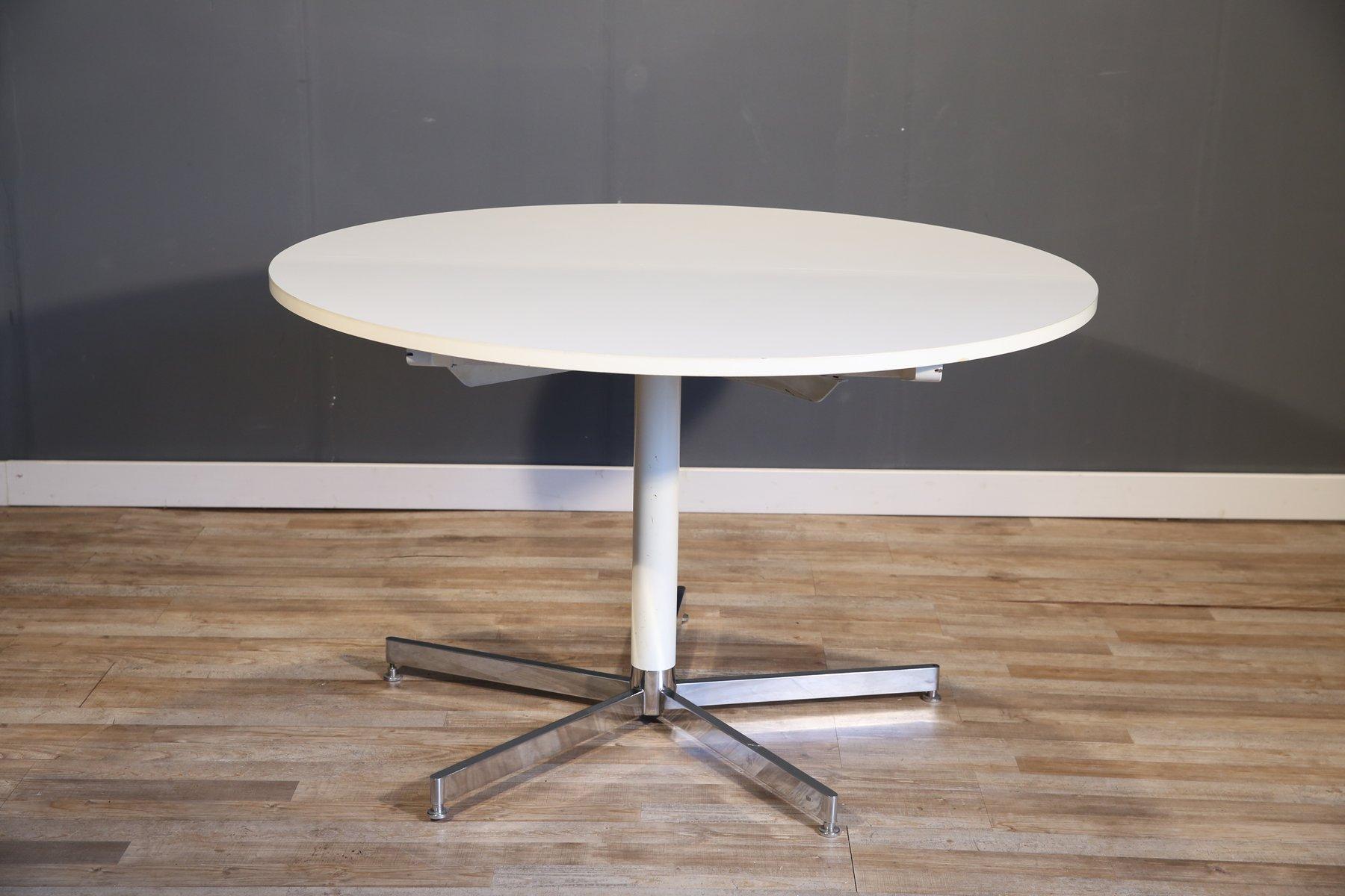 Großer runder weißer Esstisch von Tecta, 1970er