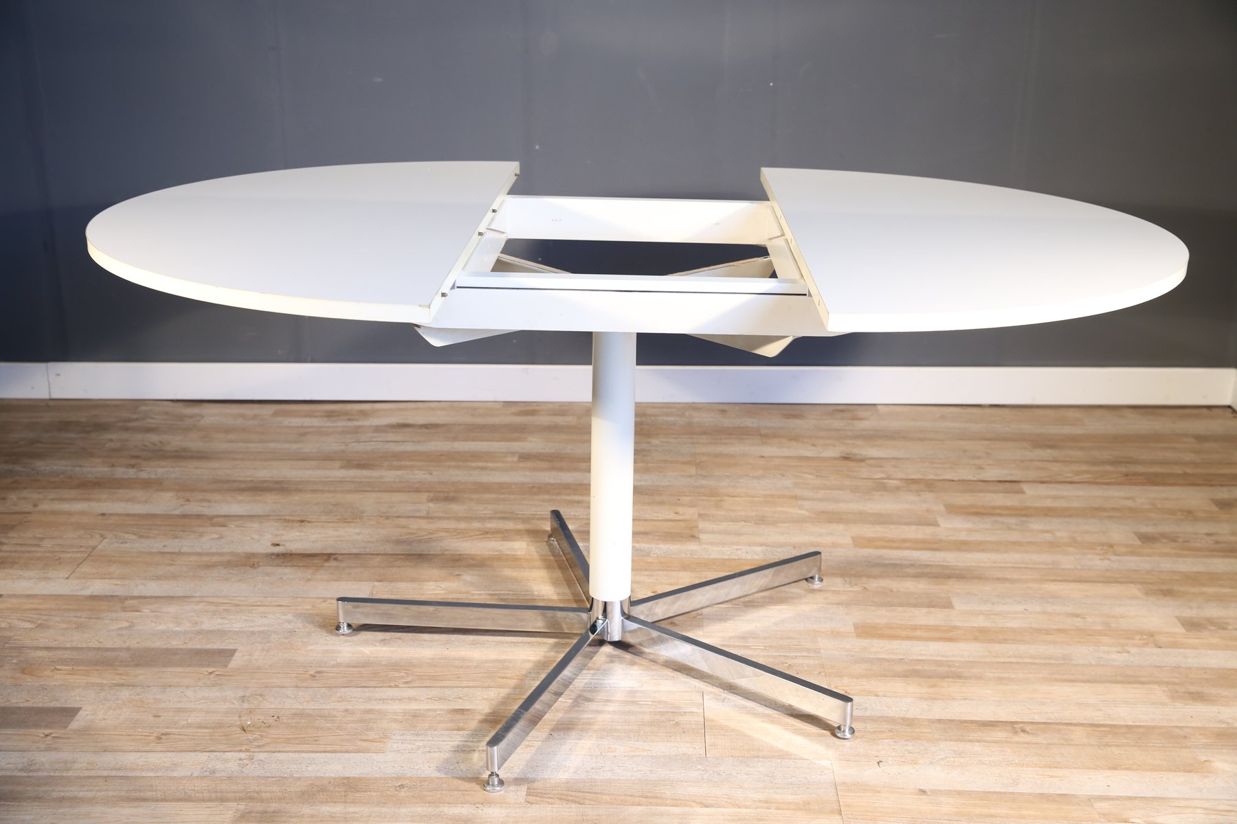Large White Round Dining Table From Tecta 1970s For Sale