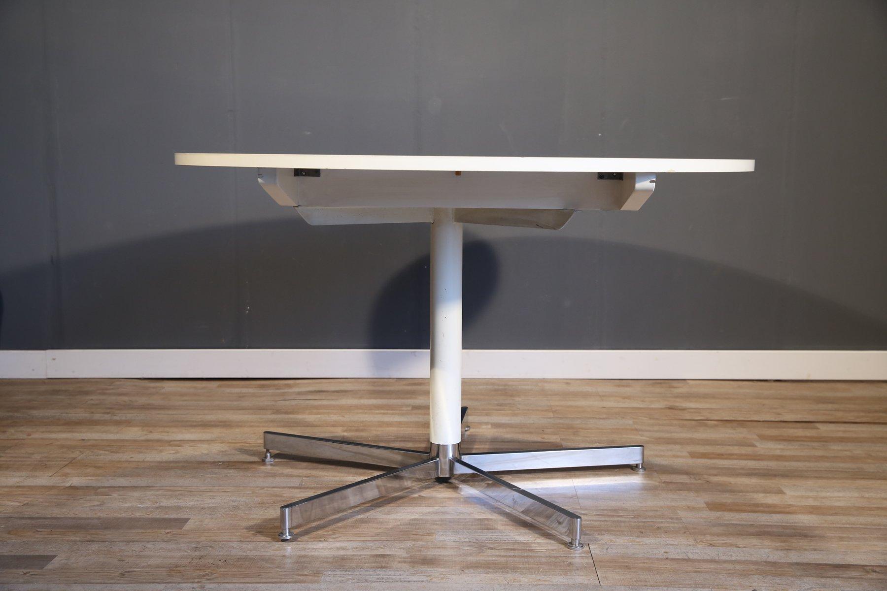 gro er runder wei er esstisch von tecta 1970er bei pamono kaufen. Black Bedroom Furniture Sets. Home Design Ideas