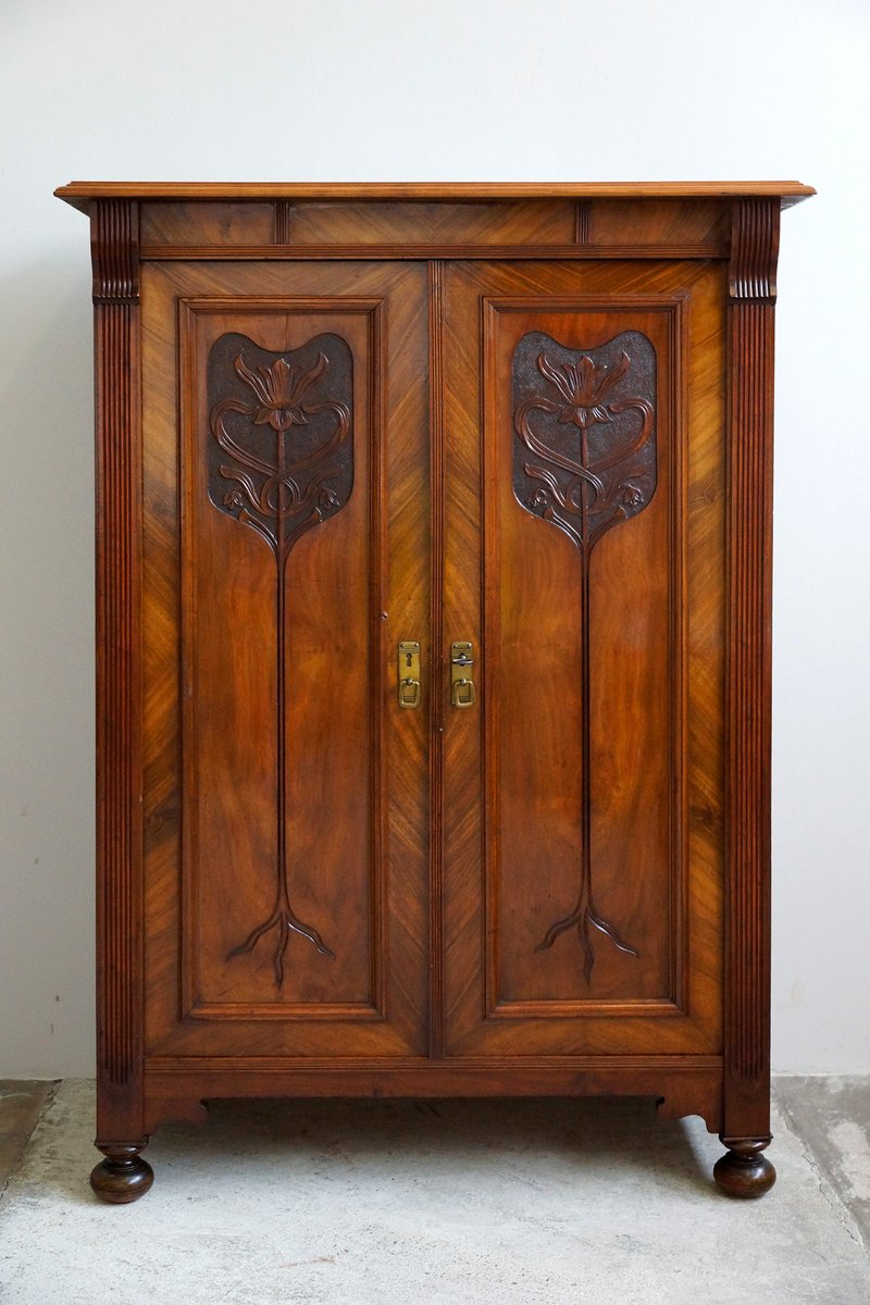 armoire art nouveau 1910s en vente sur pamono. Black Bedroom Furniture Sets. Home Design Ideas