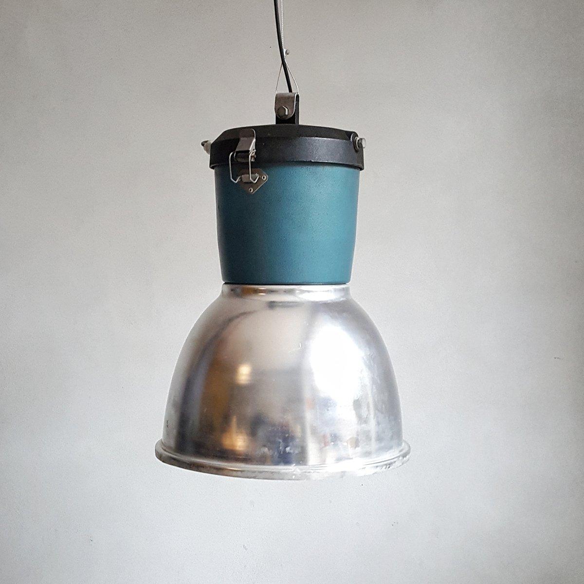 Luminaire Industriel Vintage luminaire industriel vintage en métal, italie en vente sur pamono