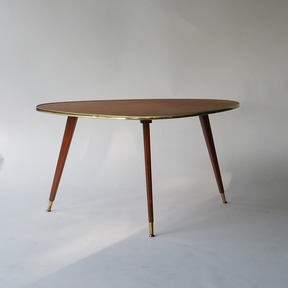 Beau Mid Century Coffee Table With Leather Top, 1950s