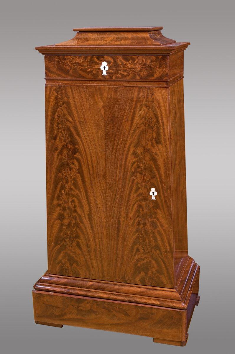 antike d nische trapez mahagoni schr nke mit schubladen 2er set bei pamono kaufen. Black Bedroom Furniture Sets. Home Design Ideas