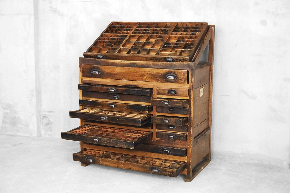 meuble d 39 imprimerie industrielle de wilhelm k hler 1907 en vente sur pamono. Black Bedroom Furniture Sets. Home Design Ideas