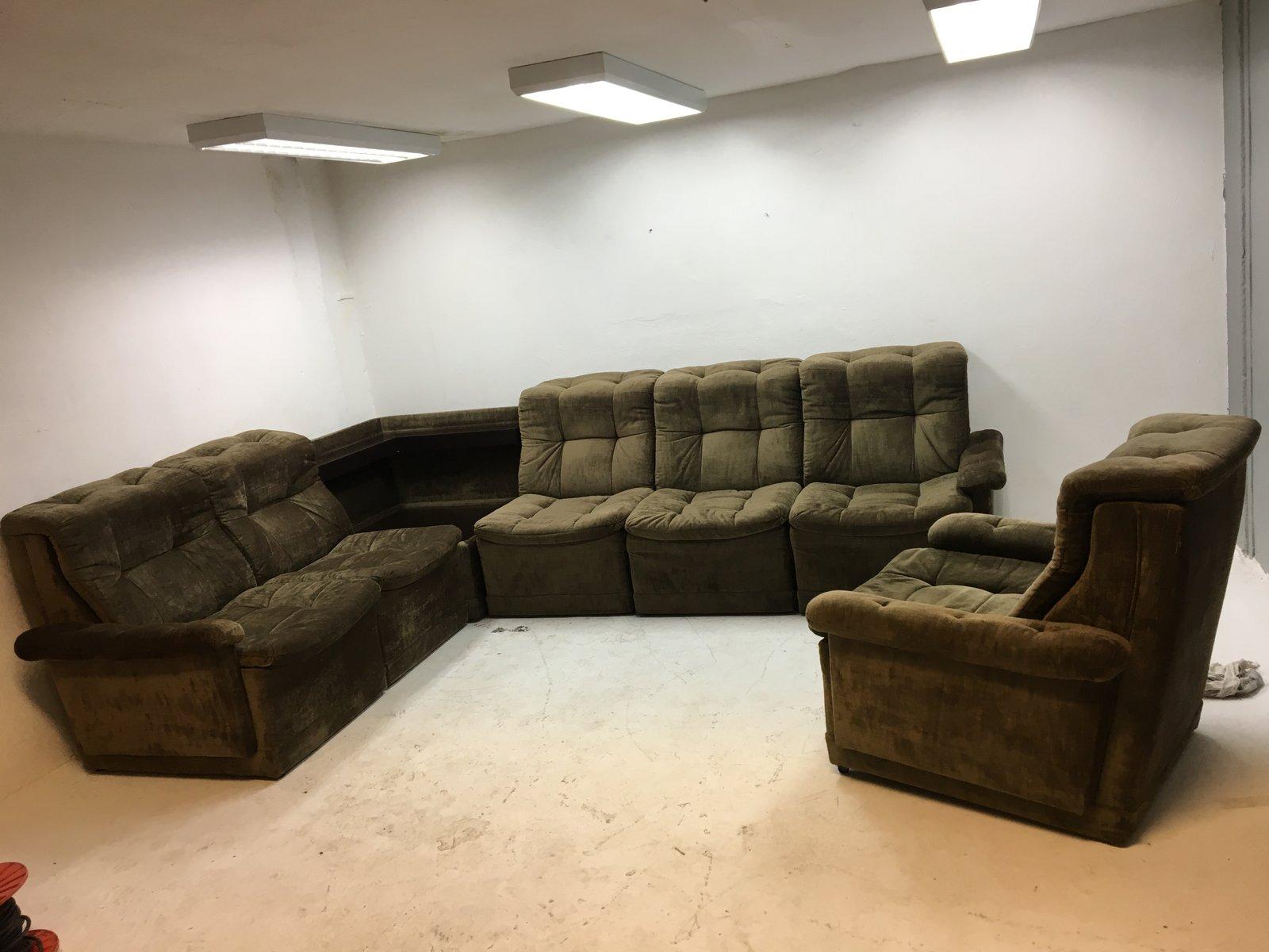 unterteiltes sofa mit passendem sessel aus gr nem samt 1960er bei pamono kaufen. Black Bedroom Furniture Sets. Home Design Ideas