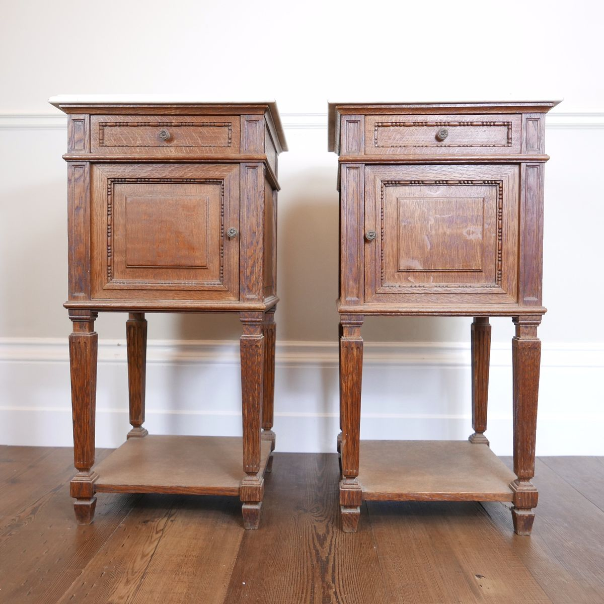Vintage French Bedside Tables, Set of 2. Holiday Sale - Vintage French Bedside Tables, Set Of 2 For Sale At Pamono
