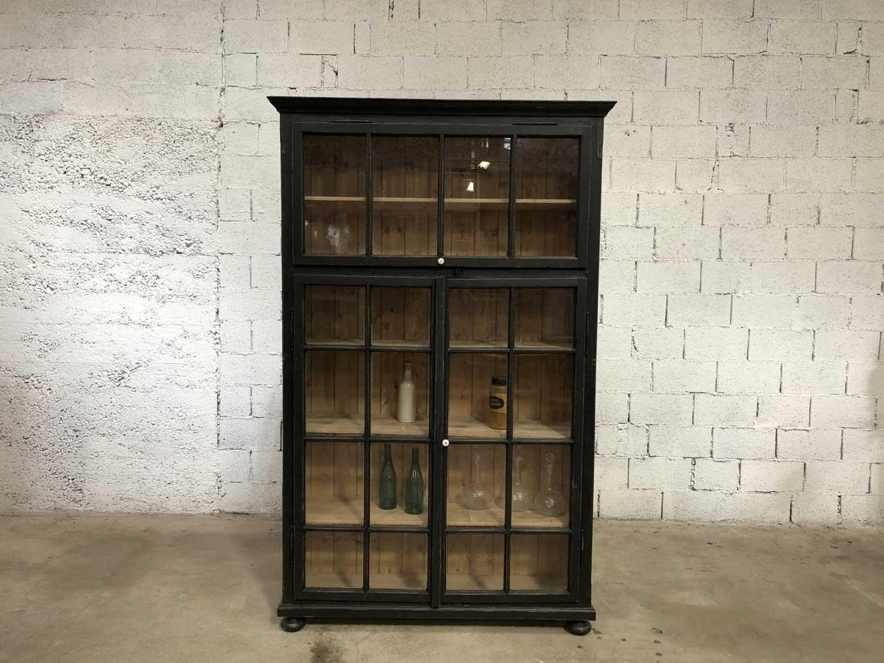 vintage glas b cherregal bei pamono kaufen. Black Bedroom Furniture Sets. Home Design Ideas