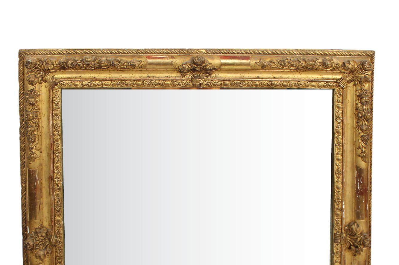 Specchio quadrato antico con cornice intagliata in vendita su pamono - Specchio con cornice ...