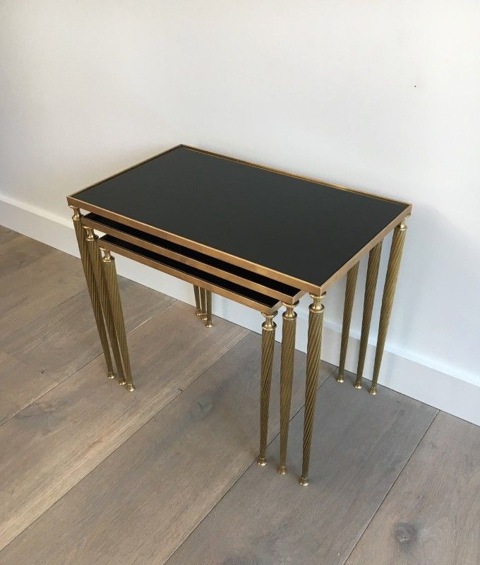 tables gigognes en laiton avec plateau en verre laqu de maison jansen 1940s en vente sur pamono. Black Bedroom Furniture Sets. Home Design Ideas