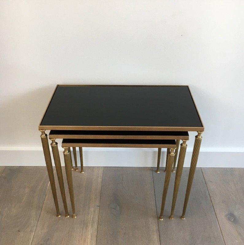 messing satztische mit schwarz lackierter glasplatte von maison jansen 1940er bei pamono kaufen. Black Bedroom Furniture Sets. Home Design Ideas
