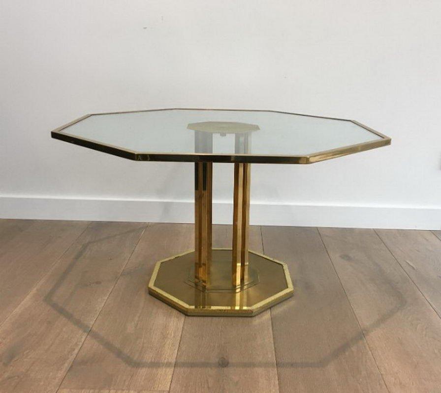 Französischer oktogonaler Messing und Glas Couchtisch, 1970er