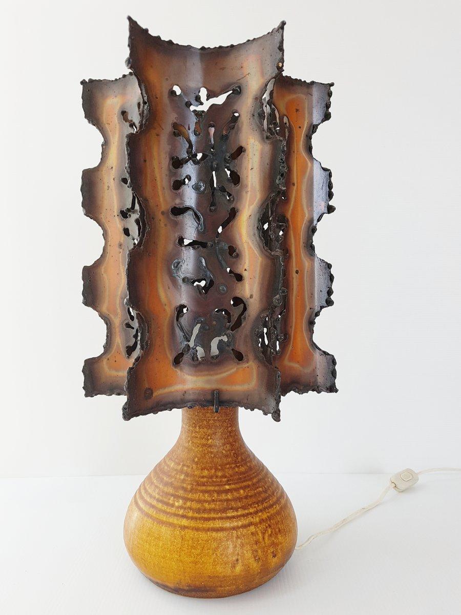 Französische Mid-Century Keramik & Stahl Tischlampe von Accolay