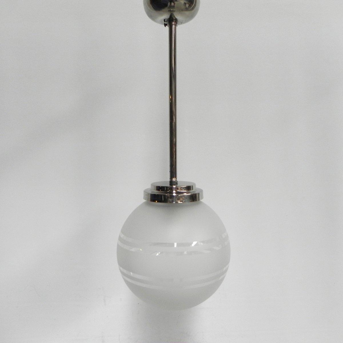 Art Deco Hängelampe mit Milchglas Kugel