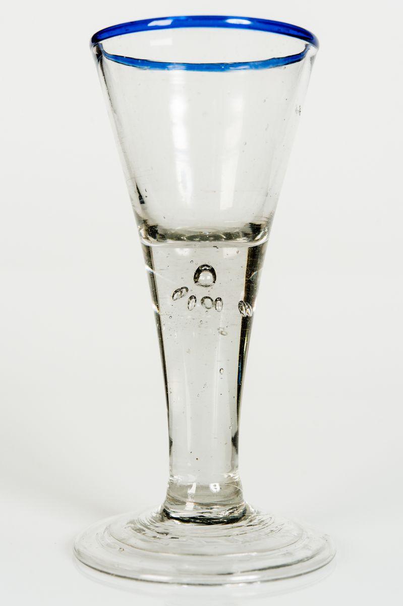 vase antique en verre souffl allemagne en vente sur pamono. Black Bedroom Furniture Sets. Home Design Ideas
