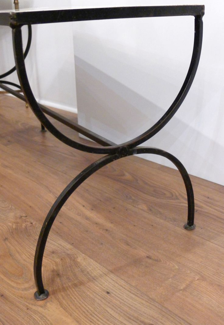 table basse avec pied en fer forg plateau en gr s carrel rose 1950s en vente sur pamono. Black Bedroom Furniture Sets. Home Design Ideas