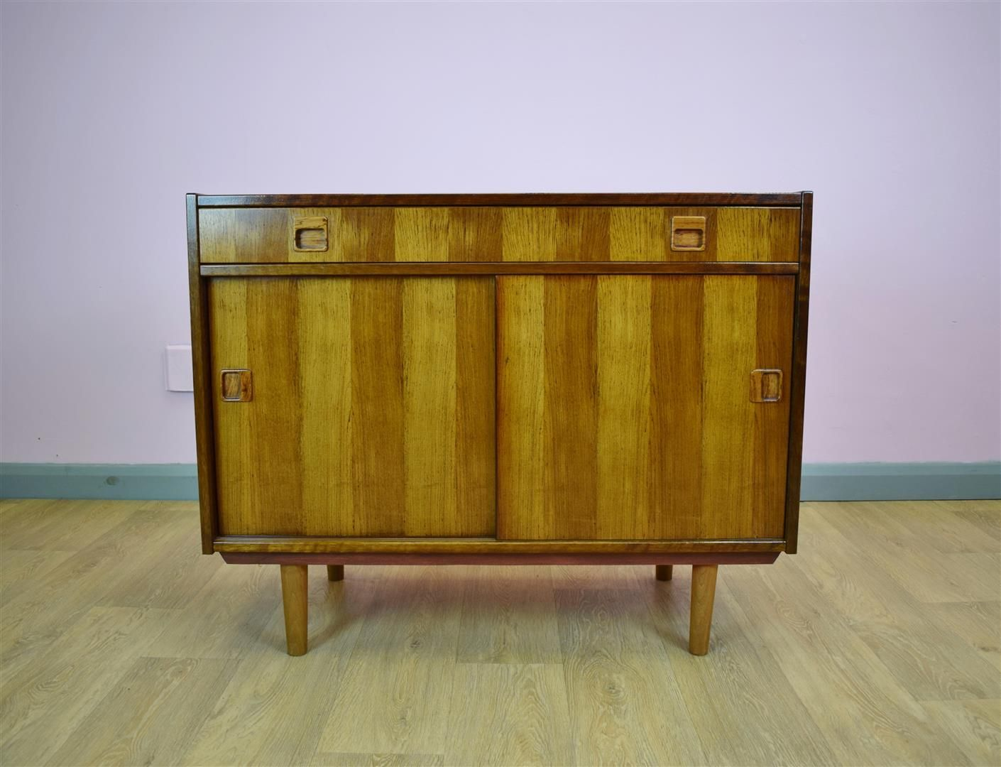 d nisches vintage palisander sideboard 1970er bei pamono. Black Bedroom Furniture Sets. Home Design Ideas