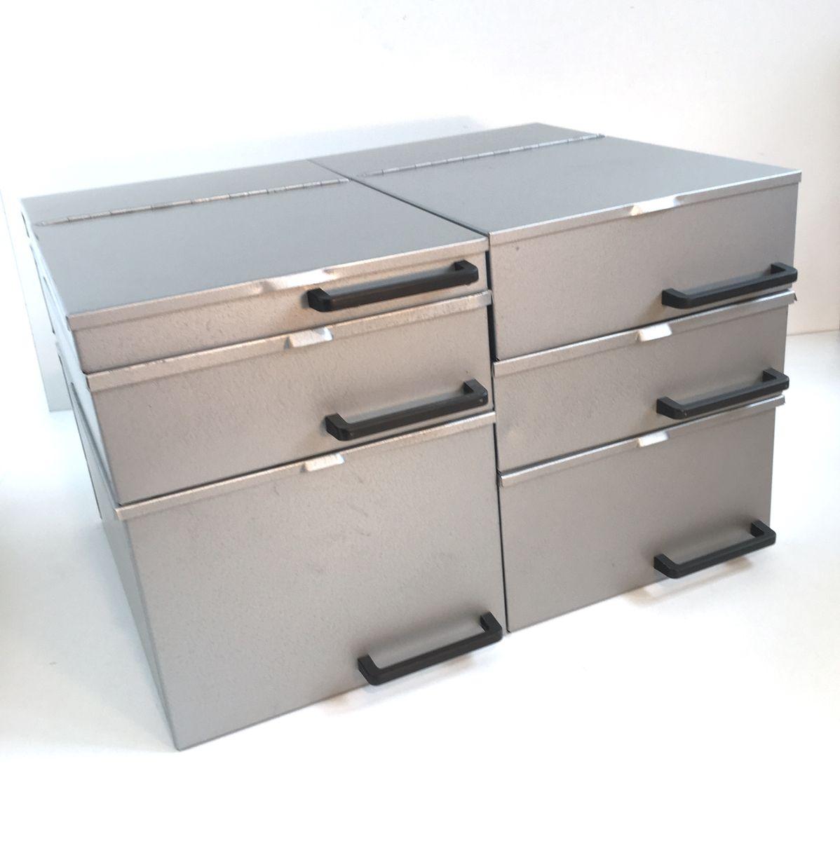 bo tes vintage industrielle en m tal 1970s set de 6 en vente sur pamono. Black Bedroom Furniture Sets. Home Design Ideas