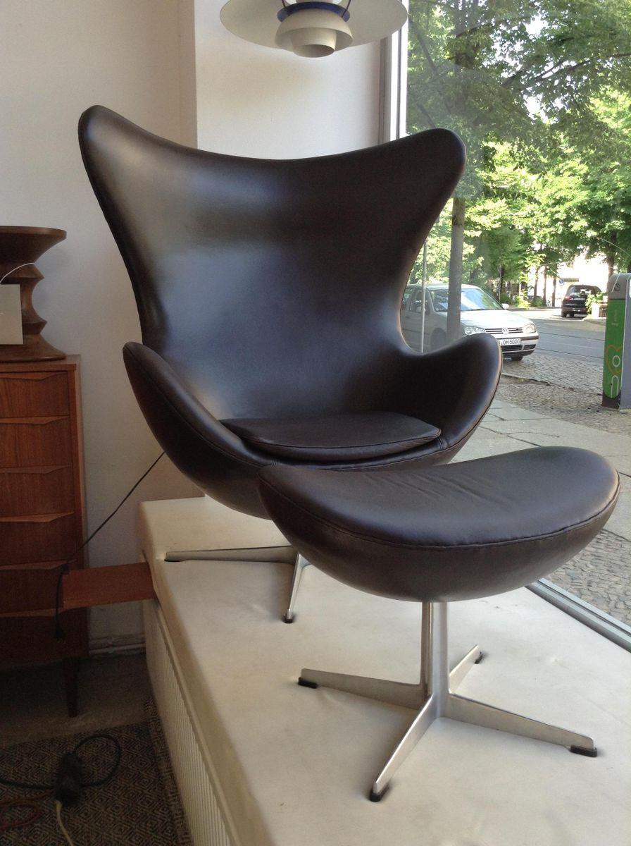 Egg Chair mit Fußhocker von Arne Jacobsen für Fritz Hansen, 1980er