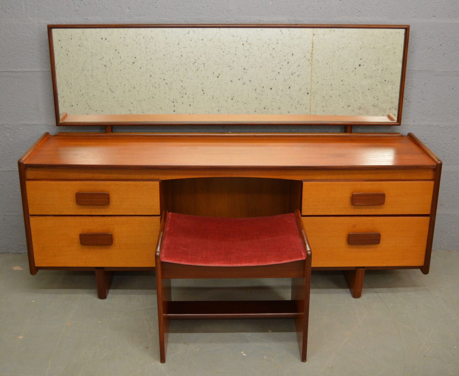 Mid Century Teak Dressing Table Amp Stool From White And Newton For Sale At Pamono