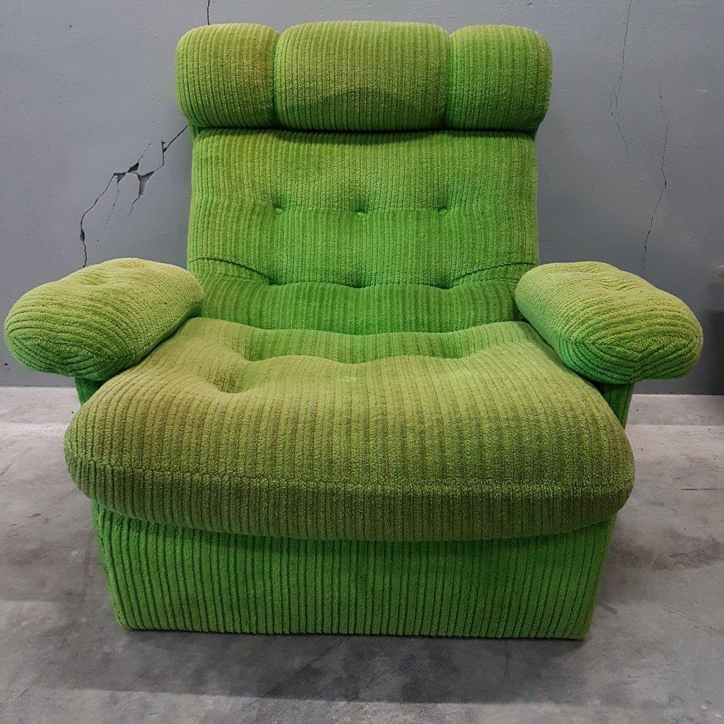 Grüner vintage Samt Sessel, 1970er