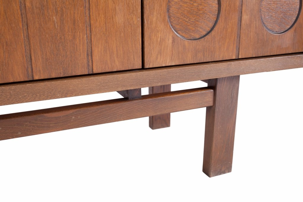 meuble vintage brutaliste en ch ne belgique en vente sur pamono. Black Bedroom Furniture Sets. Home Design Ideas