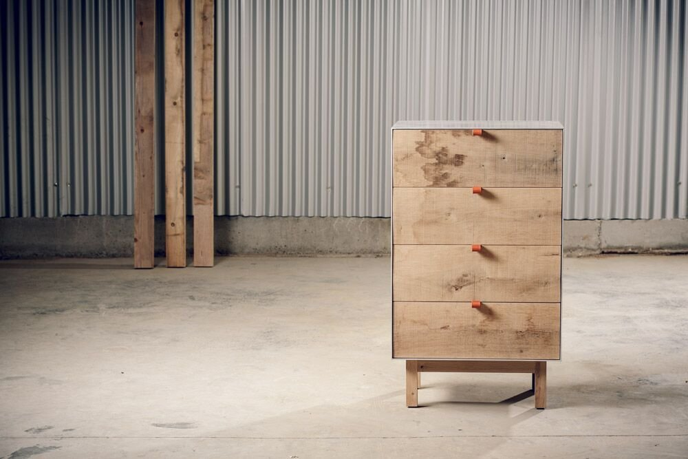 Aluminium & Eichenholz Kommode von Alon Dodo