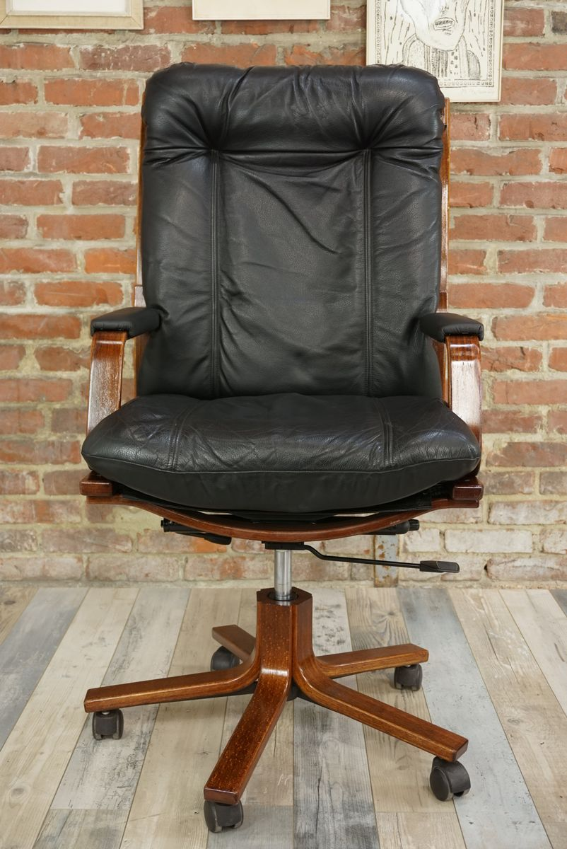 Swivel Office Chair In Leather Wood 16 1 199 00 Price Per Piece