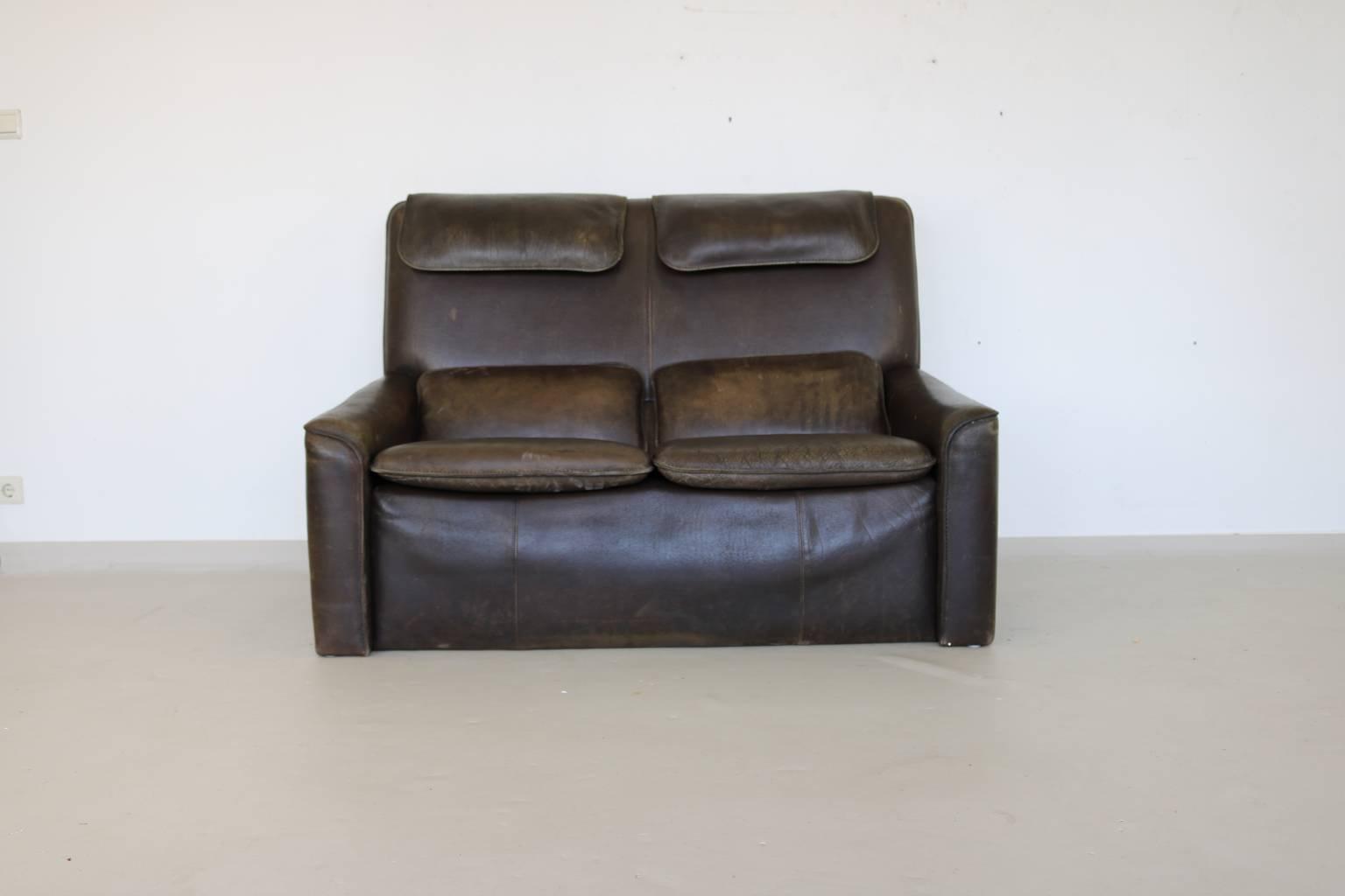 canap marron en cuir 2 places 1970s en vente sur pamono. Black Bedroom Furniture Sets. Home Design Ideas