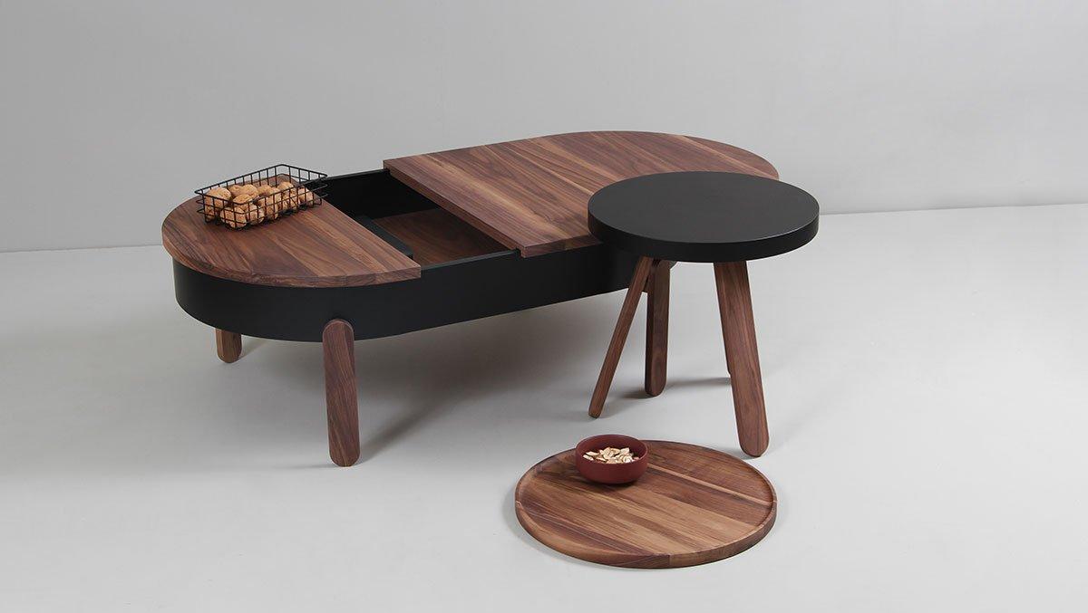 kleiner batea tablett tisch in nussholz schwarz von daniel garc a s nchez f r woodendot bei. Black Bedroom Furniture Sets. Home Design Ideas