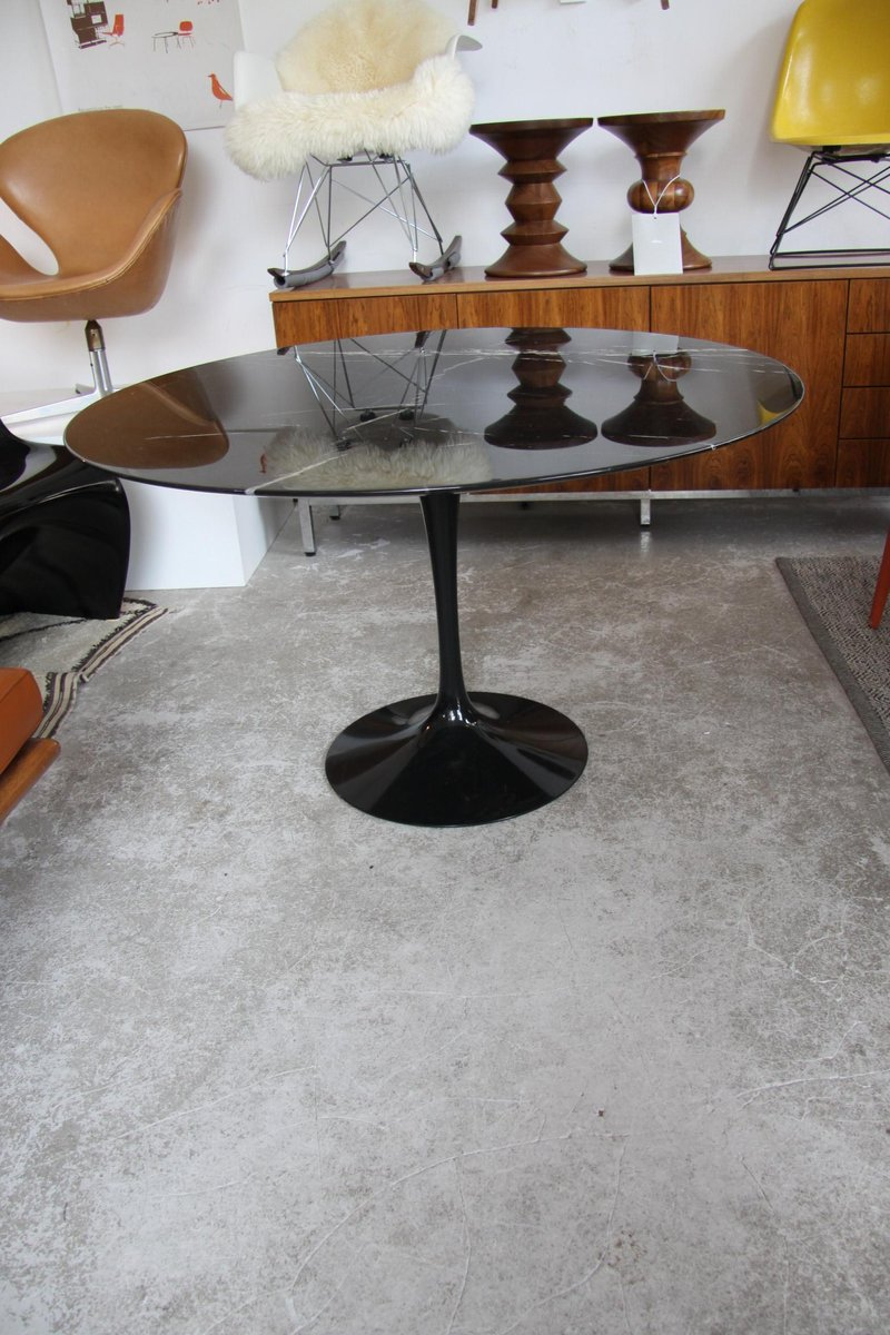 Tulip Dining Table In Black Marble By Eero Saarinen For Knoll S - Black marble tulip dining table