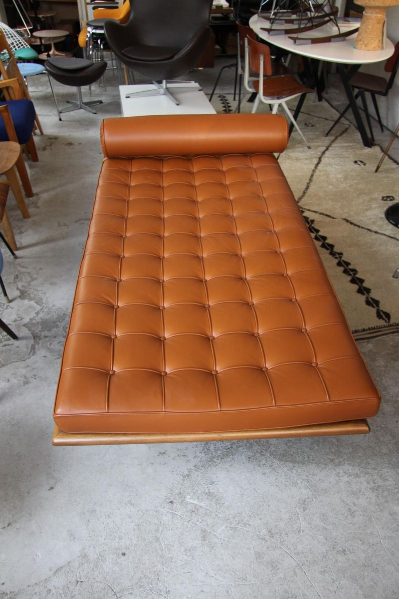 Vintage Barcelona Daybed By Ludwig Mies Van Der Rohe For Knoll