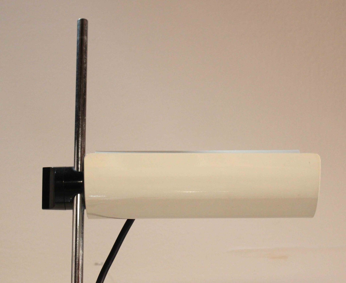 dimmbare stehlampe good trendy stehlampe tageslicht schoene inspiration tageslicht stehlampe. Black Bedroom Furniture Sets. Home Design Ideas