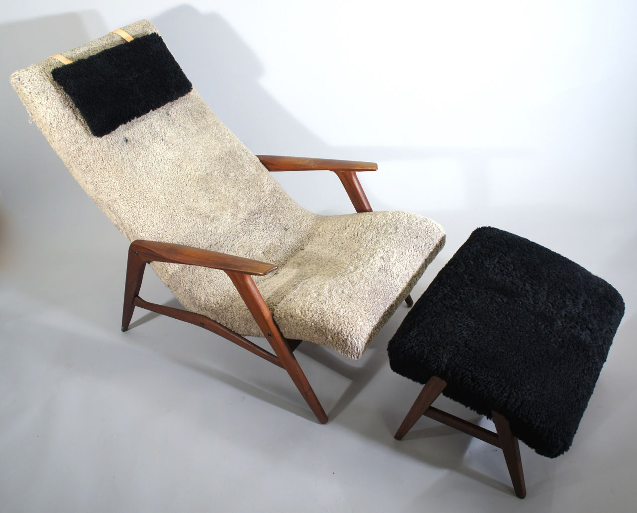 mid century siesta sessel mit fu hocker von ji m bler bei pamono kaufen. Black Bedroom Furniture Sets. Home Design Ideas
